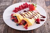 picture of crepes  - crepe and berry - JPG