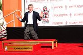 LOS ANGELES - FEB 4:  Robert DeNiro at the Robert DeNiro Handprint & Footprint Ceremony  at the TCL