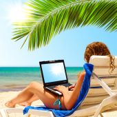 Laptop en Playa el sol