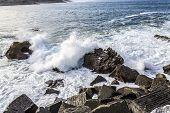 Game of the ocean water in summer to San Sebastian