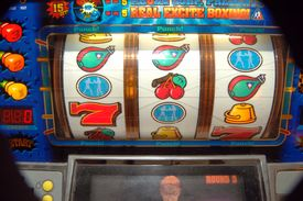 picture of slot-machine  - slot machine reels - JPG