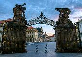 Matthias gate