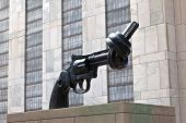 Gun Tied In A Knot Outside Un Headquarters As Symbol For Reaching Peace