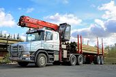 Scania 124G Truck With Log Loader