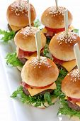 Mini hamburguesas, mini hamburguesas, comida de fiesta, finger food