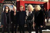 LOS ANGELES - 8 de JUN: Def Leppard llegar al estreno mundial de