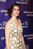 LOS ANGELES - MAR 20:  Emmy Rossum arrives at the 21st Annual A Night at Sardi's to Benefit the Alzh