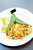 pad thai, thai's style fried noodle