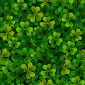 Seamless Pattern With Green Realistic Saint Patricks Day Shamrock Leaves