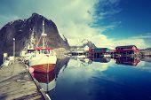 pic of lofoten  - boats - JPG