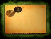 Papier mit Kompass Motiv