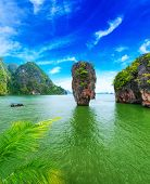 James Bond island Thailand reisbestemming. Phang Nga Baai archipel