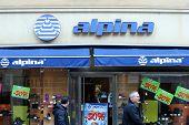 Alpina Store Shopwindow
