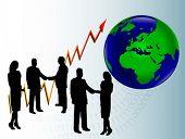 Un grupo de empresarios en silueta estrecharme la mano en frente de un gráfico que muestra un año tras año un