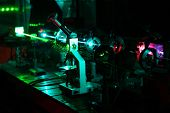 Movement of microparticles by beams of laser in dark lab