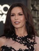 LOS ANGELES - JUN 08:  CATHERINE ZETA-JONES arrives to the