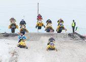 Mass sport racing on snowmobiles