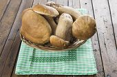 pic of boletus edulis  - Fresh boletus edulis on the table of the kitchen - JPG