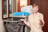 foto of housekeeper  - Time for room service - JPG