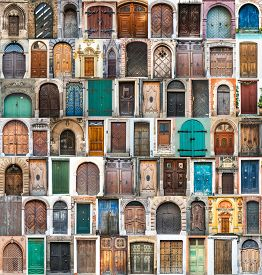 picture of windows doors  - photos of doors and windows of the old districts of Europe - JPG