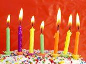 velas no bolo de aniversário