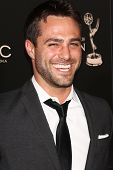 LOS ANGELES - 16 de JUN: Marco Dapper chega no 40º Daytime Emmy Awards no Skirball Cultural