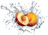 picture of peach  - Peach in spray of water - JPG