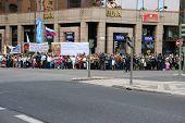 Multidão à espera de Bento Xvi