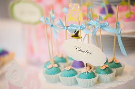 image of cake pop  - wedding dessert with delicious sweet Cake pops