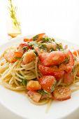 La Pasta de tomate y una Perilla verde