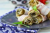 pic of sorrel  - Rolls from an omelet with a sorrel and bacon for breakfast - JPG