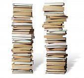 muitos livros sobre uns aos outros com conhecimento sobre qualquer coisa