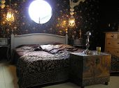 Photograph of a very classy and extraordinary master bedroom designed according feng shui guidelines