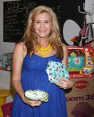 LOS ANGELES - OCT 21:  Christie Lynn Smith at the baby shower supporting