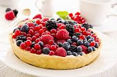 Tarte with quark and berries
