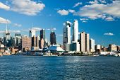 New York City, Usa - September 24: New York Uptown und Intrepid Sea, Air And Space Museum auf Septemb