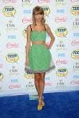 LOS ANGELES - AUG 10:  Taylor Swift arrives to the Teen Choice Awards 2014  on August 10, 2014 in Los Angeles, CA.