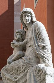stock photo of vicenza  - Statue of the Madonna and Child outside the Cathedral of Vicenza - JPG