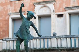 stock photo of vicenza  - Detail of the fountain in Contr - JPG