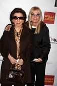 LOS ANGELES - MAR 26:  Nancy Sinatra Sr., and daughter Nancy Sinatra arriving at the