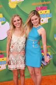 LOS ANGELES - APR 2:  AnnaSophia Robb, Lorraine Nicholson arrive at the 2011 Kids Choice Awards at G