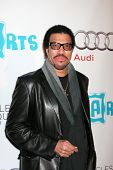LOS ANGELES - APR 13:  Lionel Richie arriving at the 16th Los Angeles Antiques Show Opening Night Gala to benefit PS Arts at Barker Hanger on April 13, 2011 in Santa Monica, CA