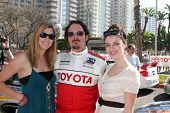 LOS ANGELES - APR 16:  Kim Coates and Daughters attends the Toyota Grand Prix Pro Celeb Race at the