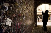 image of juliet  - Wall full of messages from lovers in Juliet - JPG