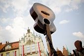 foto of guinness  - Guitar Guinness Record beating - JPG