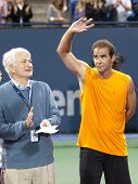 LOS ANGELES, CA. - JULY 27: Pete Sampras (R) thanks the crowd after winning his exhibition match at