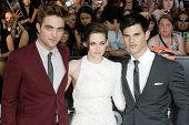 LOS ANGELES, CA. - JUNE 24: Robert Pattinson (L) Kristen Stewart (M) & Taylor Lautner (R) attend The