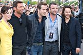 TEMPE, AZ - APRIL 27: Actors Lynn Collins, Hugh Jackman, Ryan Reynolds Liev Schreiber and Taylor Kitsch appears at the premiere of X-Men Origins: Wolverine on April 27, 2009 in Tempe, AZ.