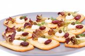 Crackers With Red Kidney Beans And Cream