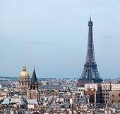 巴黎的艾菲尔铁塔和酒店 des 荣军院全景